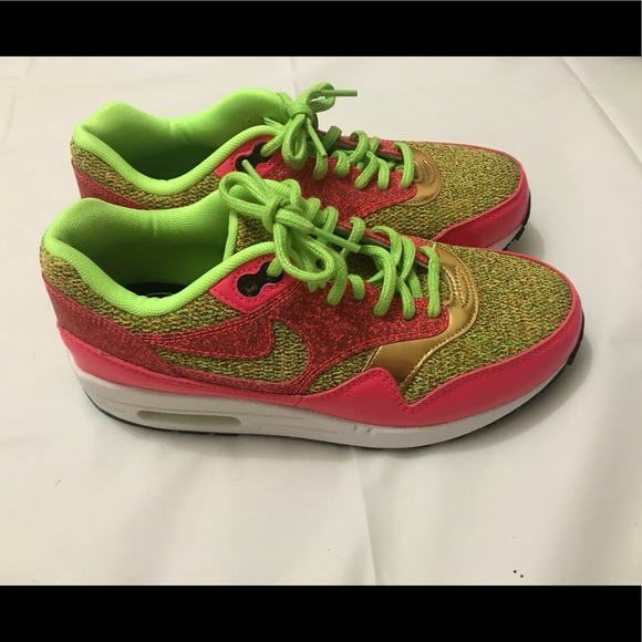 b87745536be97a ... Nike Air Max 1 SE Green Pink Gold Women Sneakers ...